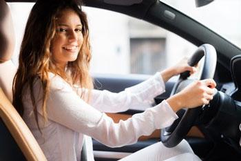 Woman-sitting-in-car